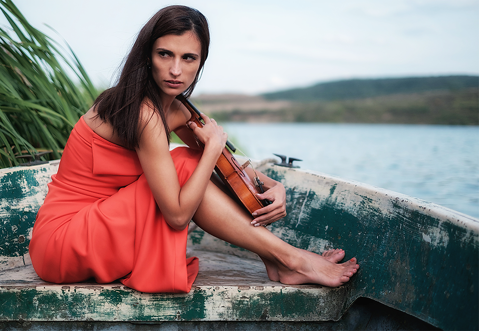The girl and the violin
